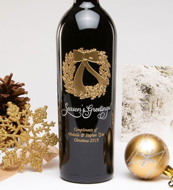 Personalized Wreath Seasons Greetings Wine Bottle